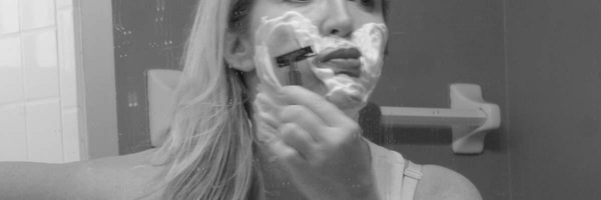 Als vrouw je gezicht en bovenlip scheren